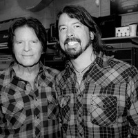 John Fogerty with Foo Fighters: Fortunate Son (Creedence Clearwater Revival-feldolgozás)