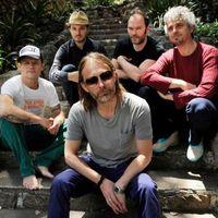 Thom Yorke az Atoms For Peace élén UNKLE- és Radiohead-számokat is énekel