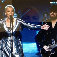 Eurythmics: The Fool On The Hill (a duó fellépése kilenc év után egy Beatles-feldolgozásműsorban)