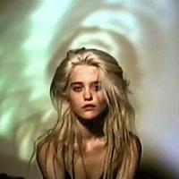 Sky Ferreira: Lost In My Bedroom (videoklip)