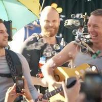 Coldplay: A Sky Full Of Stars (videoklip –ésahonnanlopták) + koncert Kylie Minouge-gal!