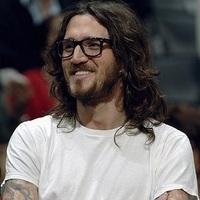 John Frusciante: Scratch (egy dal az új albumról) + FRISSÍTÉS: Kimono Kult: Hiding In The Light (EP)