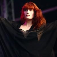 Florence Welch félbeszakított egy verekedést ésmegvigasztalt egy zokogó nézőt koncertjén