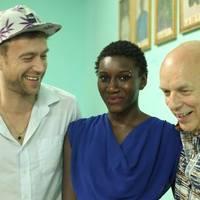 Africa Express presents Maison des Jeunes – albumDamon Albarn és Brian Eno közreműködésével!
