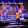 Will Ferrell megküzdött a Red Hot Chili Peppers dobosával (aztán kolompolt a teljes zenekarral)