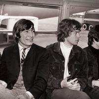 A Rolling Stones tagjai Beatles-dalokkal bohóckodnak – a Charlie Is My Darling dokumentumfilm részletei