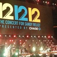 A 12-12-12 koncert közvetítése – a Rolling Stonestól aNirvana-tagokkal fellépő Paul McCartney-ig!