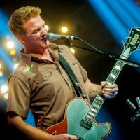 Queens Of The Stone Age: I Sat By The Ocean + IfIHad A Tail (rádiófelvételek)