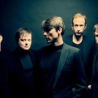 Suede: Bloodsports – a teljes visszatérő album egyévtized kihagyás után!