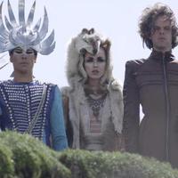 Empire Of The Sun: Alive (videoklip) + azújalbumborítója és dallistája