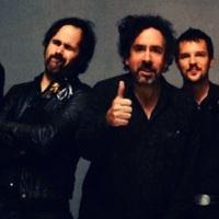 Újabb Tim Burton-klip (most Winona Ryderrel) ésújabb U2-feldolgozás a Killerstől