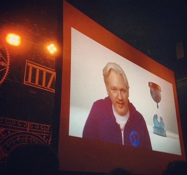 assange-mia5.jpg