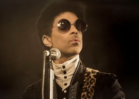 prince-Rocknrollloveaffair4.jpg