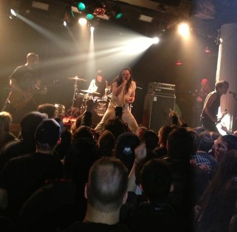 ramone-AndrewWK-live4.jpg