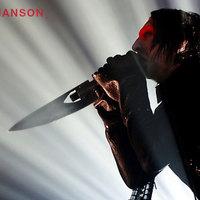 Kirúgták Mansont
