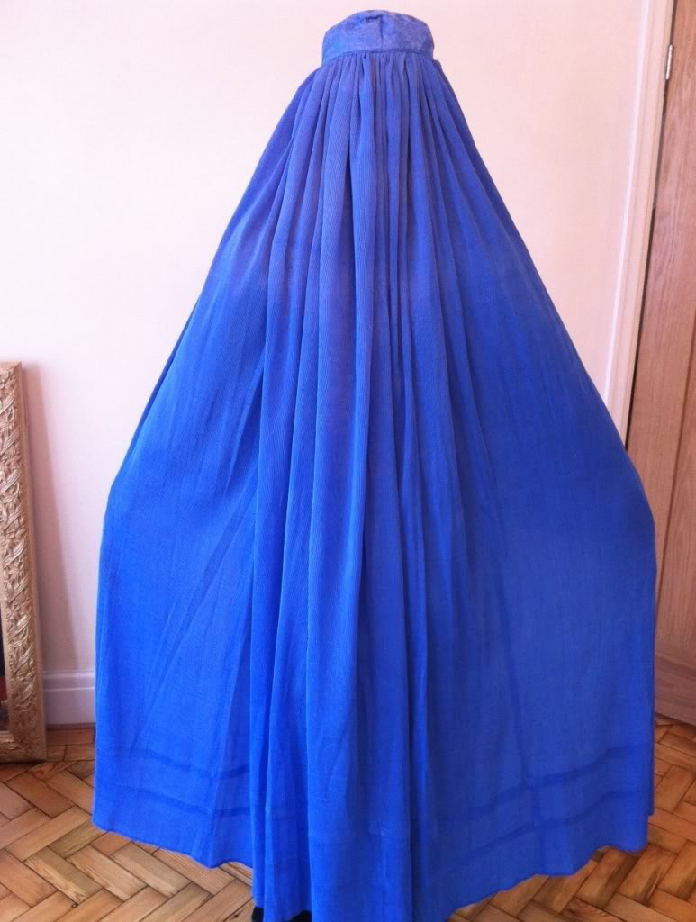 blueburqaspread_1359543169.jpg_773x1024