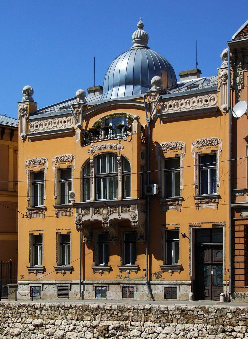 Vancaš egyik leggyönyörűbb alkotása az a lakóház, amit a neves bosnyák zsidó kereskedő, Ješua D. Salom részére 1901-ben emelt az askenázi zsinagógával szemben. Az épület a bécsi szecsszió egyik legkoraibb példája, ami korát jócskán megelőzte: villanyvilágítással, modern fűtési és vízvezetékrendszerrel rendelkezett.