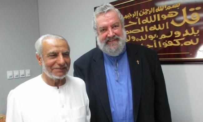 Egy katolikus pap üdvözlete, aki a muszlimokkal böjtöl ramadán idején
