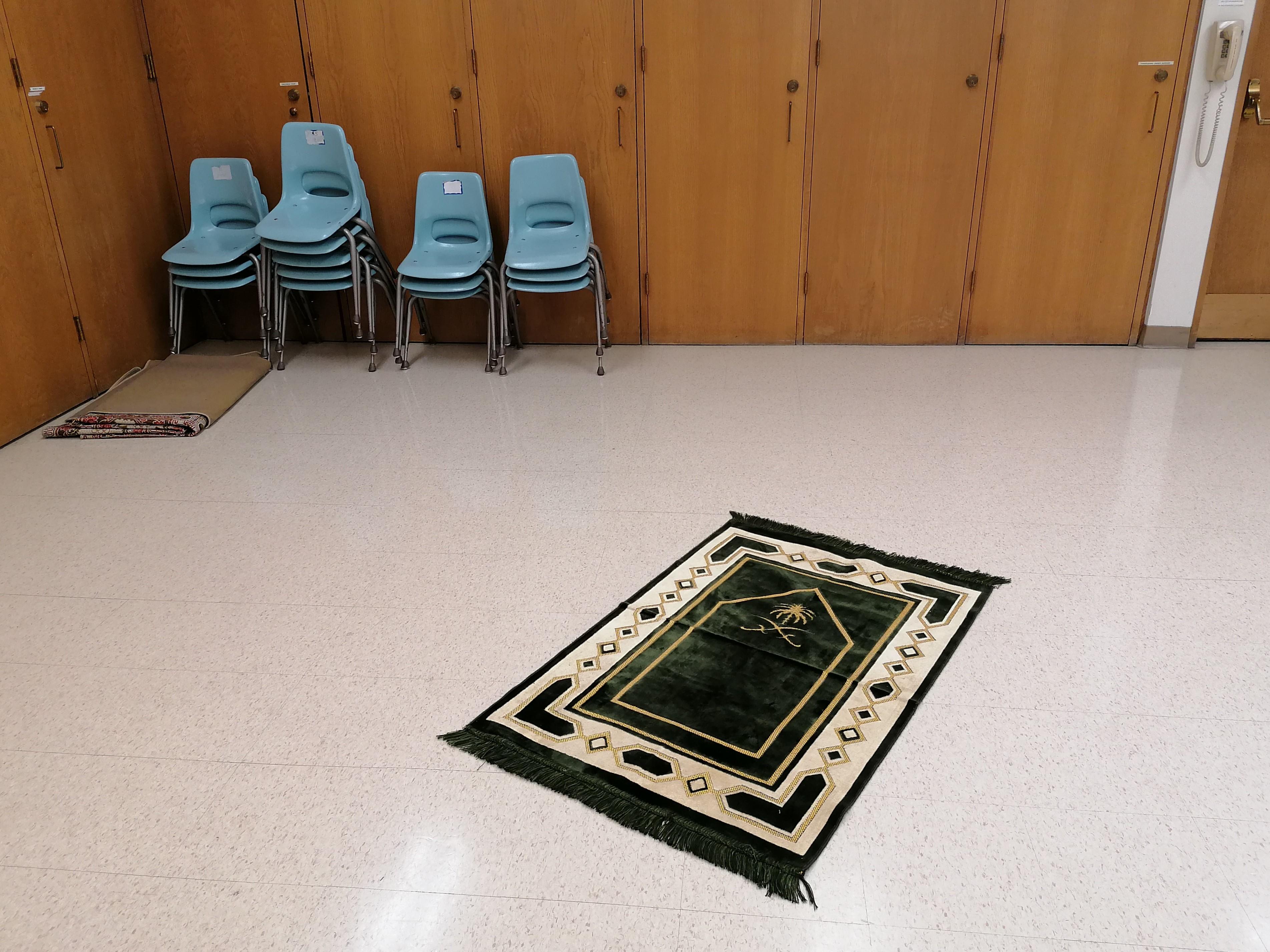 az egyik termet pedig a helyi muszlim közösségnek adták át...
