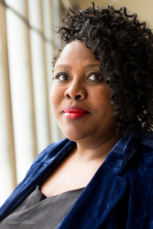 Rev. Kelle Brown a Seattle Universityn végzett, tehetséges lelkész, szépíró, life coach...