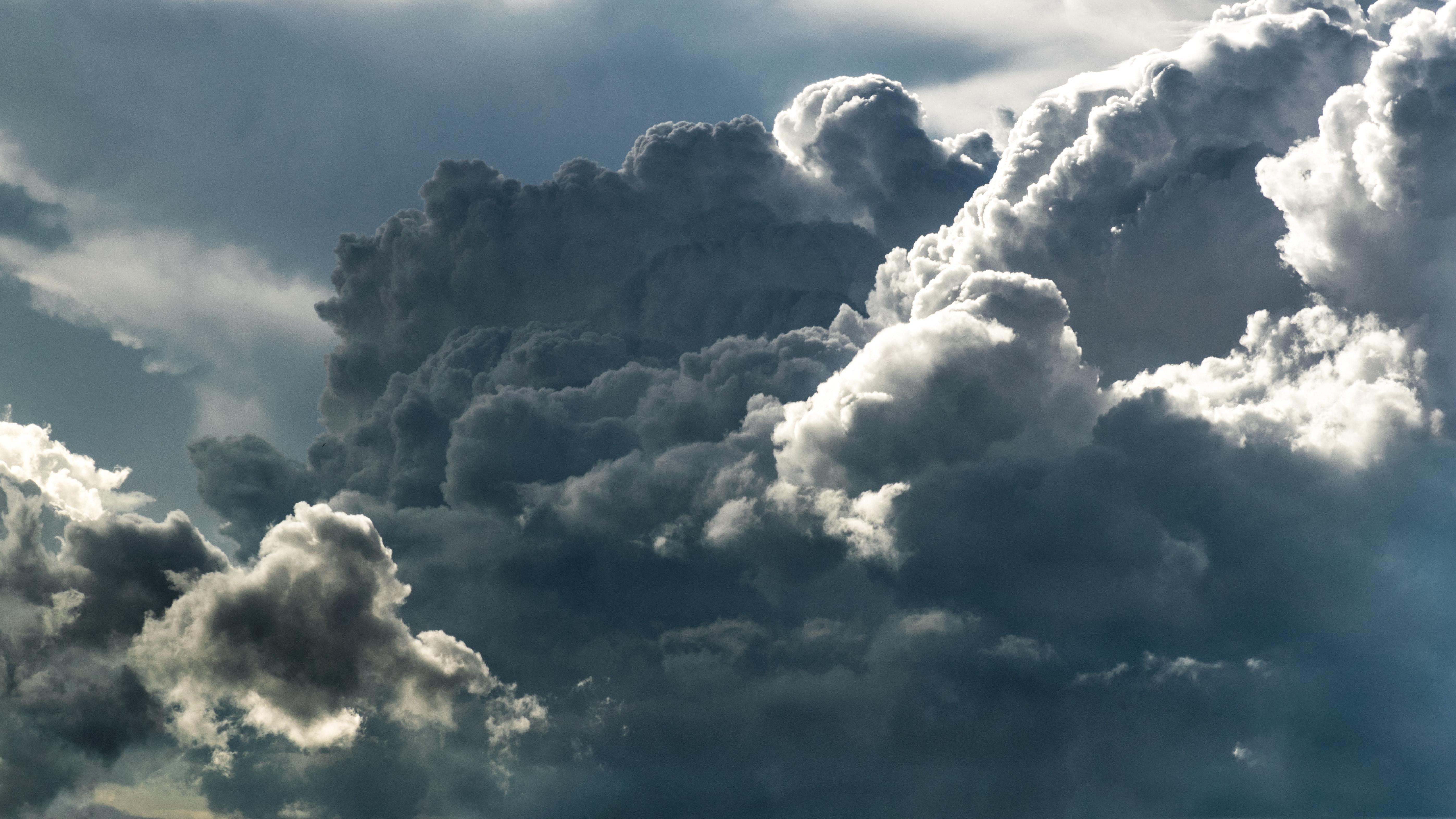 clouds-cloudscape-cloudy-158163.jpg
