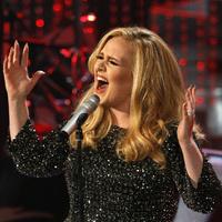 Adele történelmet írt- jó ez a zeneiparnak?