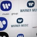 Berobbant a tőzsdére a Warner Music!