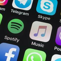 Teljes erővel dübörög a Spotify háborúja az Apple ellen