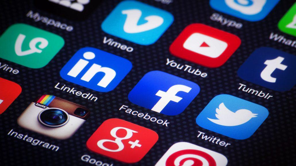social-media-mobile-apps.jpg