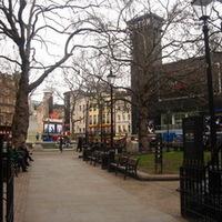Leicester Square, Piccadily Circus, majd vissza a szállodába
