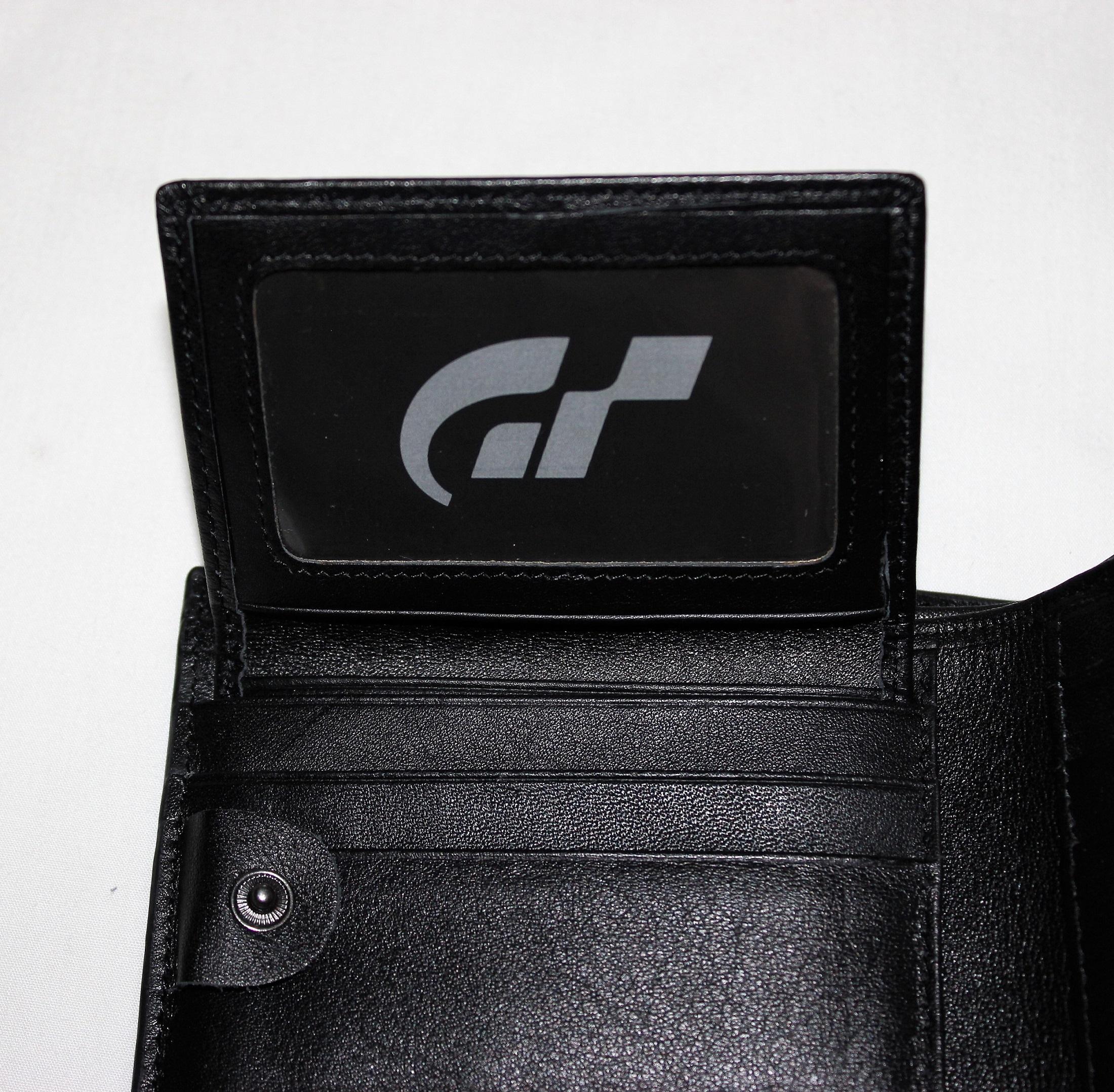 Hopp, ott is egy GT logó!