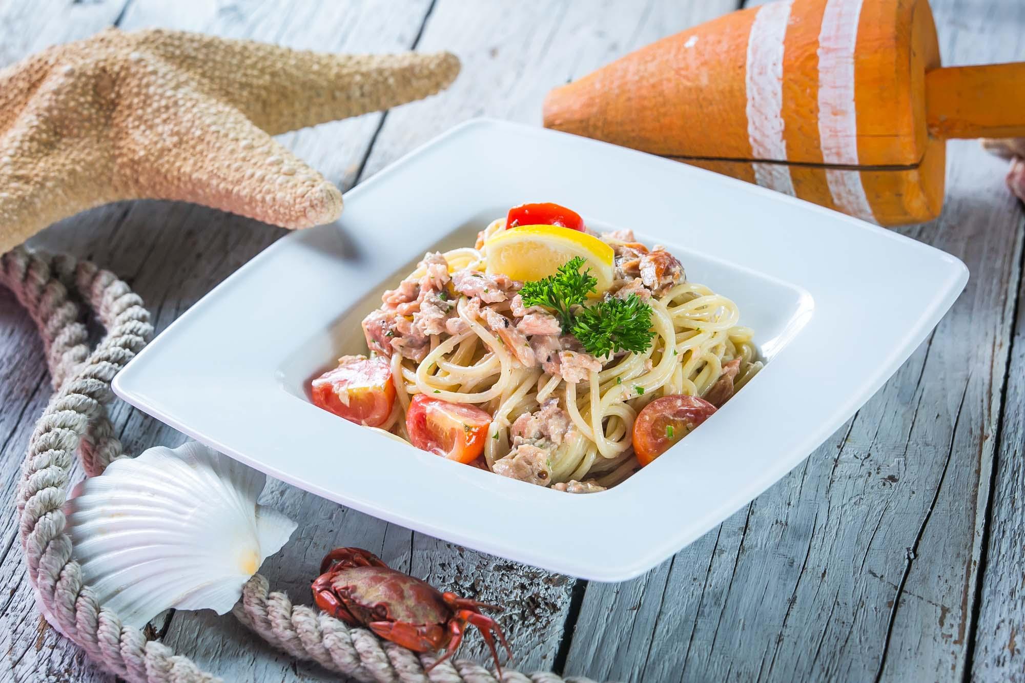 spagetti_tonhallal_gombaval_es_tejszinnel_4.jpg