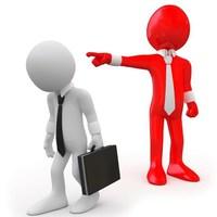 Be fogja-e tartani a Kormány a hatályos jogszabályokat a közszolgálati létszámleépítéseknél?