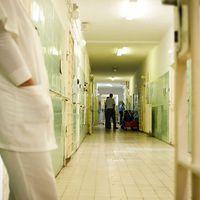 Fogva tarthatja-e akarata ellenére a beteget a pszichiátriai osztály?