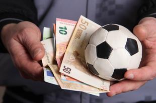 A hétvége kérdése 2020. 03.07 - 03. 08.  - Szerinted megérdemlik a magyar focisták a milliós fizetéseket?