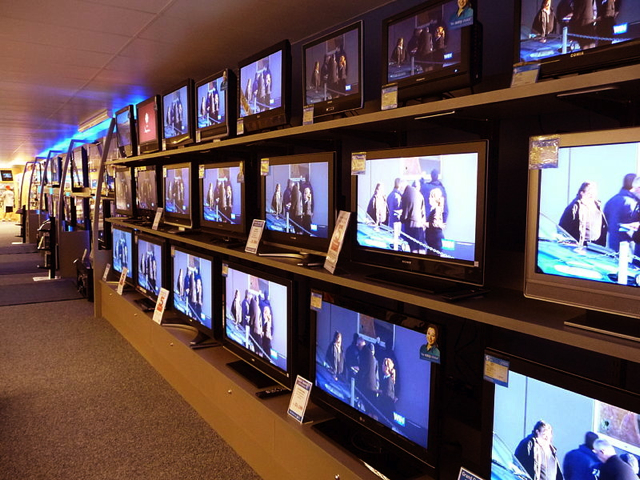 tv-wall-of-them-in-store.jpg