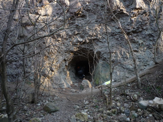 08_barlang.jpg