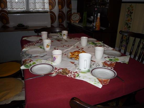 08_otthon_asztal.jpg