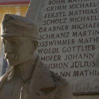 Az úzvölgyi temetőben románként azonosított katonákról