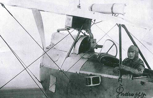 Endresz György főhadnagyként az első világháború idején Hansa-Brandenburg C.I. ülésében – kép a kötetből