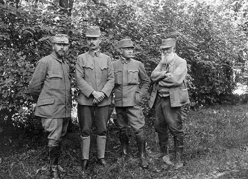 Hadifestők, a jobb szélen Mednyánszky
