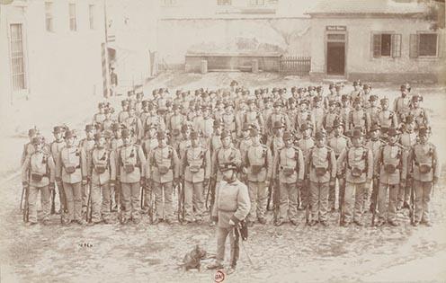 9. Hegyi vadászok kalapban