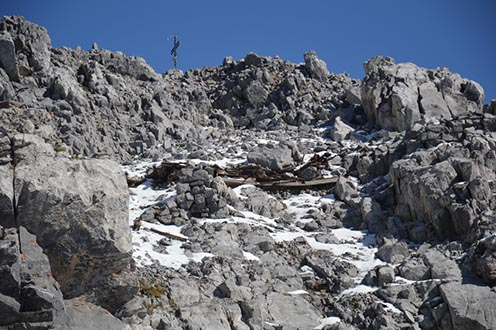 Barakk maradványa a 2780 méter magas Hohe Warte csúcsán