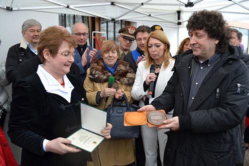 Magyar Anna átadta a Csongrád Megyéért Emlékérmet