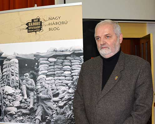 Péter I. Zoltán 2015. január 9-én Nagyváradon a 4-es honvédekről szóló kötetének a könyvbemutatóján