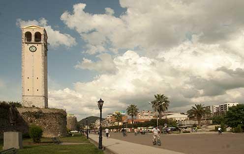 Elbasan városa, ahol a helyiek megölték Bali István temerini származású hadifoglyot