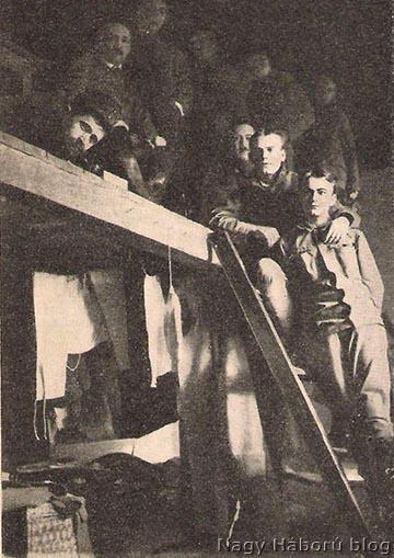 Lakóbelső az omszki tiszti táborból