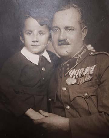 Sasi Lajos a fiával az 1940-es évek elején