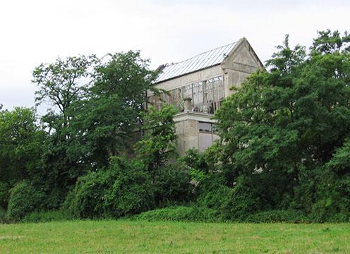 Ebben az üzemcsarnokban szerelték össze az 1910-es években a fischamendi repülőgépek szárnyait