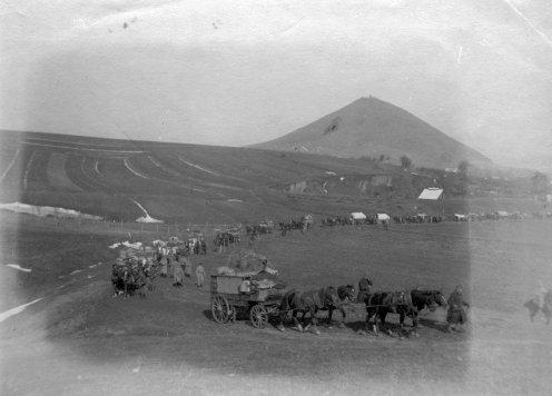 Az 5/3. sz. tábori kórház menetoszlopa Nagysárosról Jernyére 1915. március 22-én